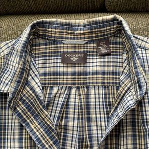 🎉HP🎉 Button Down Collar Shirt Short Sleeve